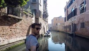 SUP in Venise Italy SUP World