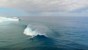 SUP surfing new caledonia