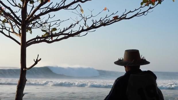 Desert Point SUP Surfing with Zane Schweitzer