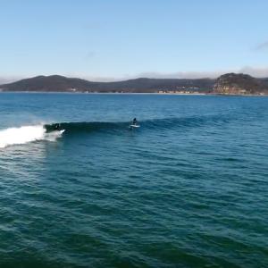 Foiling 500-1000m Waves