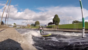 River Sup Surf: Dynamic Carves