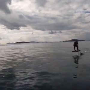"""""""Foil Tomo"""" How to take off to the boat wake on your Sup Foil."""