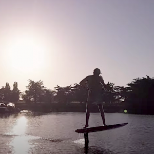 Follow Arthur Arutkin on a sup sunset foil boarding session in his local harbour! Some nice drone shots in there…
